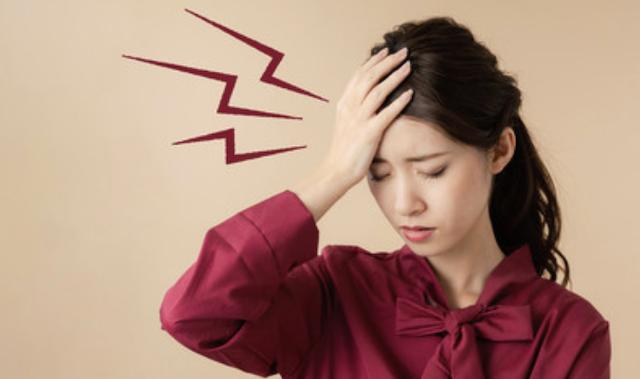ワインで頭痛がするのは体が出す危険信号!?バファリンやイブを使っても平気?
